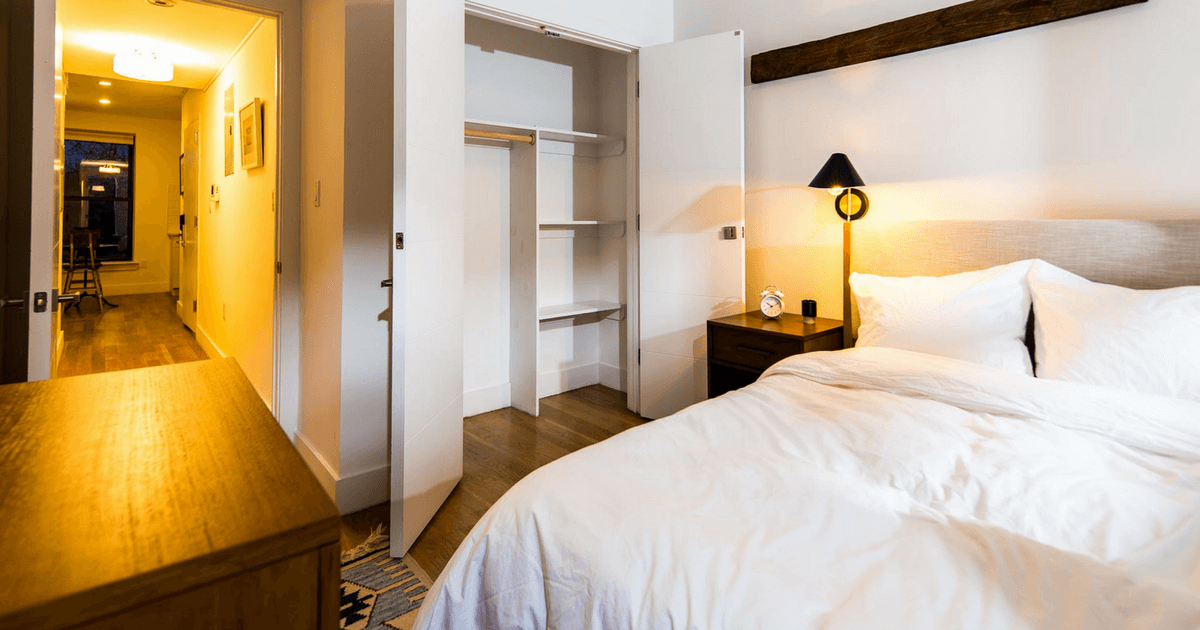 At Common, members never have to share a bedroom. Enjoy a fully furnished private bedroom sat Common.