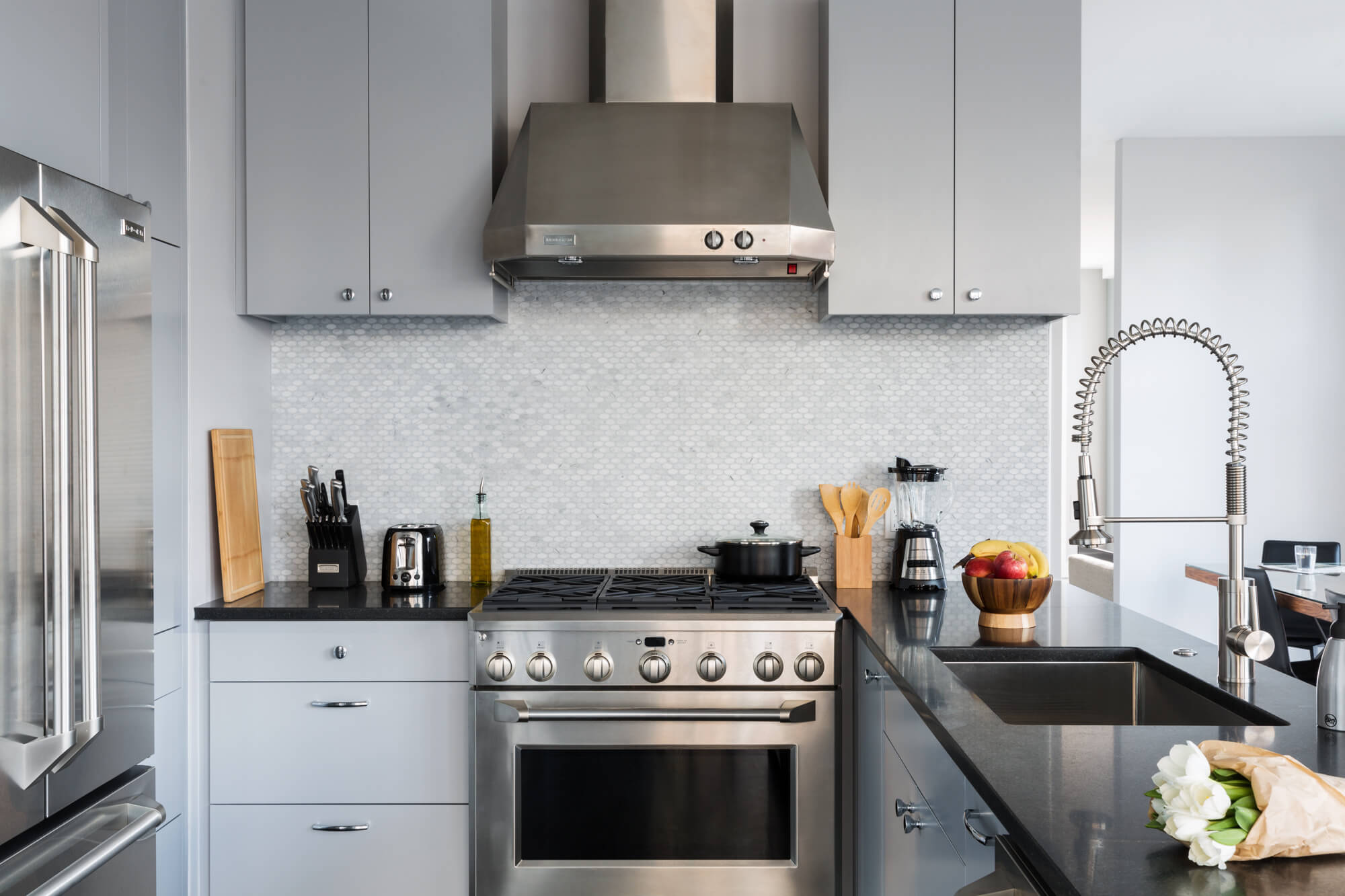 tv vs. coliving: kitchen